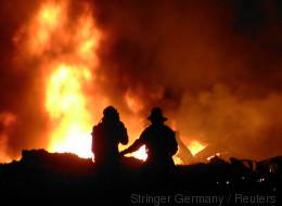 Bei einem Großbrand klauten Gaffer uns Feuerwehrmännern das Essen