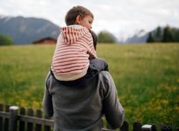 Empty-Nest-Syndrom: Warum Väter deutlich mehr leiden als Mütter, wenn die Kinder ausziehen