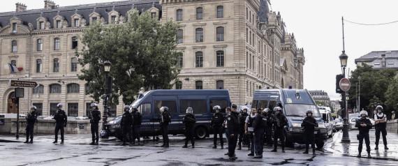 PARIS ATTACK NOTREDAME