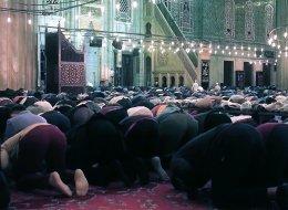 أجواء روحانية بقلب إسطنبول.. شاهد كيف يبدو مسجد السلطان أحمد في رمضان