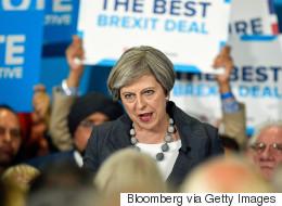 Theresa May perd sa majorité absolue avant la négociation du Brexit