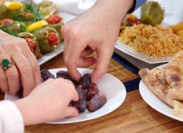 ابتعد عن هذه الأطعمة لتجنُّب الشعور بالعطش في نهار رمضان!