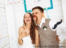 Hochzeitssprüche: Ironische Sprüche – so gelingt's