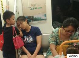 잠깐 잠든 엄마를 위한 어느 중국 소년의 행동
