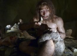 يعود أصلها إلى 170 ألف عام.. لهذه الأسباب ارتدى الإنسان الملابس