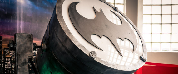 BAT SIGNAL BATMAN