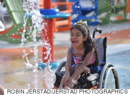 장애인을 위한 워터파크가 열린다(사진)