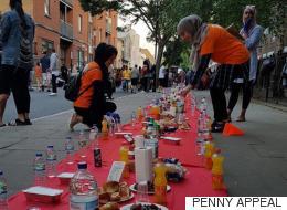 런던의 무슬림들이 화재 피해자들을 위로하다