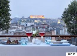 Εμπειρία γεύσεων στο rooftop του ξενοδοχείου Melia Athens στο κέντρο της Αθήνας με θέα την Ακρόπολη