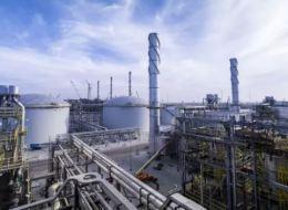 أرامكو ستخسر 300 مليار دولار إن لم تبرئ ساحتها من دعم الوقود.. هكذا تخطط السعودية فصل الشركة عن الدولة