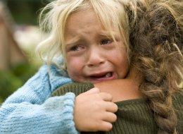 Kinderarzt Largo erklärt: Diese Entwicklung in Familien ist schuld, dass so viele Kinder unglücklich sind