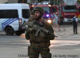 Panik am Brüsseler Hauptbahnhof: Nach einer Explosion erschießen Soldaten einen Mann