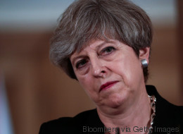 Theresa May trifft sich lieber mit reichen Spendern im Luxushotel statt mit den Grenfell Tower-Überlebenden
