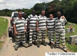 이 재소자들은 쓰러진 교도관의 목숨을 살렸다