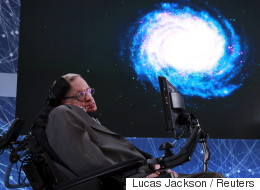 Χόκινγκ: Στείλτε αστροναύτες και φτιάξτε βάσεις σε Σελήνη και Άρη, γιατί αλλιώς...χανόμαστε
