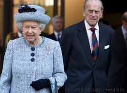 Prinz Philip ins Krankenhaus eingeliefert
