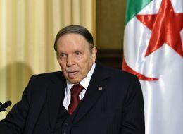 بوتفليقة يتراجع عن مقاضاة لوموند.. ما الذي دفع الرئيس الجزائري لسحب شكواه بعد ما فعلته الصحيفة الفرنسية بحقه؟