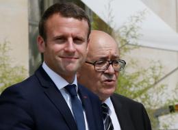 الرئيس الفرنسي مخالفاً مَن سبقه: الأسد عدو للشعب السوري وليس عدواً لفرنسا ولا بديل شرعياً عنه في بلاده