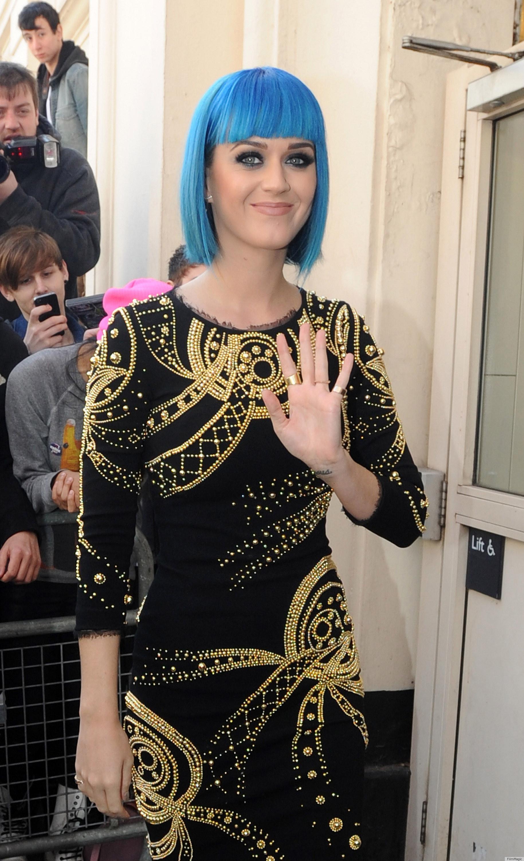 Katy Perry Bathing Suit Mishap Celebrity makeup mishaps!