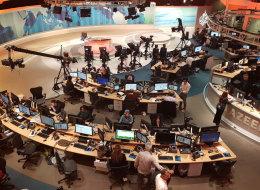 نيويورك تايمز:هجمات مضللة على شبكة الجزيرة.. ولهذه الأسباب تحاول السعودية والإمارات إسكاتها