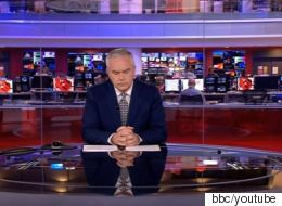 Ο πιο cool παρουσιαστής ειδήσεων είναι στο BBC. Τι έκανε όταν έμεινε «ξεκρέμαστος» στον αέρα επί 4' ενώ το δελτίο κατέρρεε