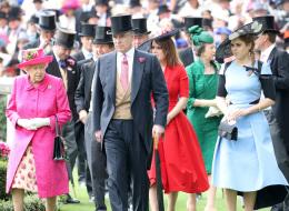 العائلة المالكة البريطانية في مأزق.. لا أحد يرغب أن يصبح على العرش بعد وفاة الملكة إليزابيث
