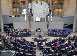 Bundestag beschließt neues Überwachungsgesetz: So sollen Ermittler WhatsApp-Nachrichten lesen können
