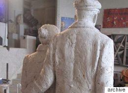 Η συλλογική μνήμη στο Γλυπτό του Έλληνα Μετανάστη