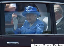 Ένας ανήσυχος πολίτης κατήγγειλε στην αστυνομία την βασίλισσα Ελισάβετ επειδή δεν φορούσε ζώνη
