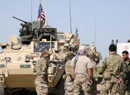 أميركا تنخرط أكثر بالحرب في سوريا وتثير المخاوف.. فما هي احتمالات الصدامات الكبيرة لواشنطن في البلد المشتعل؟