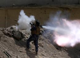 صراع المصالح بين الدول الكبرى يشتعل مع ازدياد تراجع داعش.. 5 جيوش حكومية في سوريا والعراق تتنافس على النفوذ