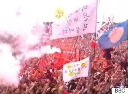 영국 음악 축제에 등장한 의문의 한글 깃발(영상)