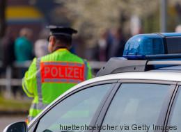 Mann schießt mehrmals auf 4-jähriges Mädchen auf Düsseldorfer Spielplatz - die Polizei sucht Zeugen