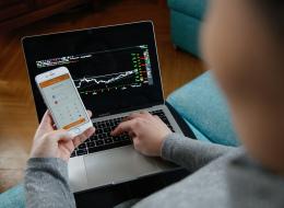 أيهما أكثر أماناً.. استخدام التطبيقات البنكية أم متصفح للخدمات المصرفية؟