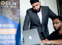 شاب مسلمٌ يواجه جوجل.. محرك البحث يسبب ضرراً للمسلمين لا يمكن إصلاحه، وهكذا يضلل ملايين البشر