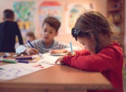 Polizei sucht Kinderhasser: Unbekannter legt Glasscherben vor Münchner Kindergarten