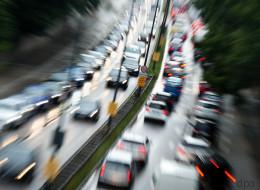 Parkplätze zu Sandkästen: Warum es dringend Zeit ist, dass wir Autos aus den Innenstädten verbannen