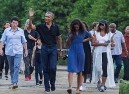 أوباما يقضي عطلته السنوية في أكبر دولة إسلامية.. لماذا يعشقه أهلها؟