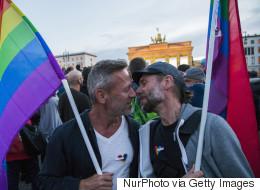 독일 의회가 동성결혼 법제화를 통과시키다