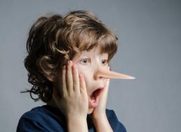 لماذا يكذب الأطفال؟ بعيداً عن العقاب.. 7 طرق لجعلهم يقولون الحقيقة
