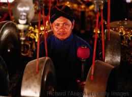 Μία από τις αρχαιότερες παραδόσεις της Ινδονησίας κάνει στάση στο Αιγαίο και στο Φεστιβάλ Κινηματογράφου Σύρου