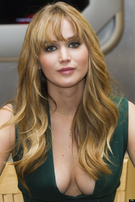 'The Hunger Games' Star Jennifer Lawrence Flashes The ...