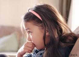 6 einfache Wege, wie du deinem schüchternen Kind zu mehr Selbstbewusstsein verhilfst