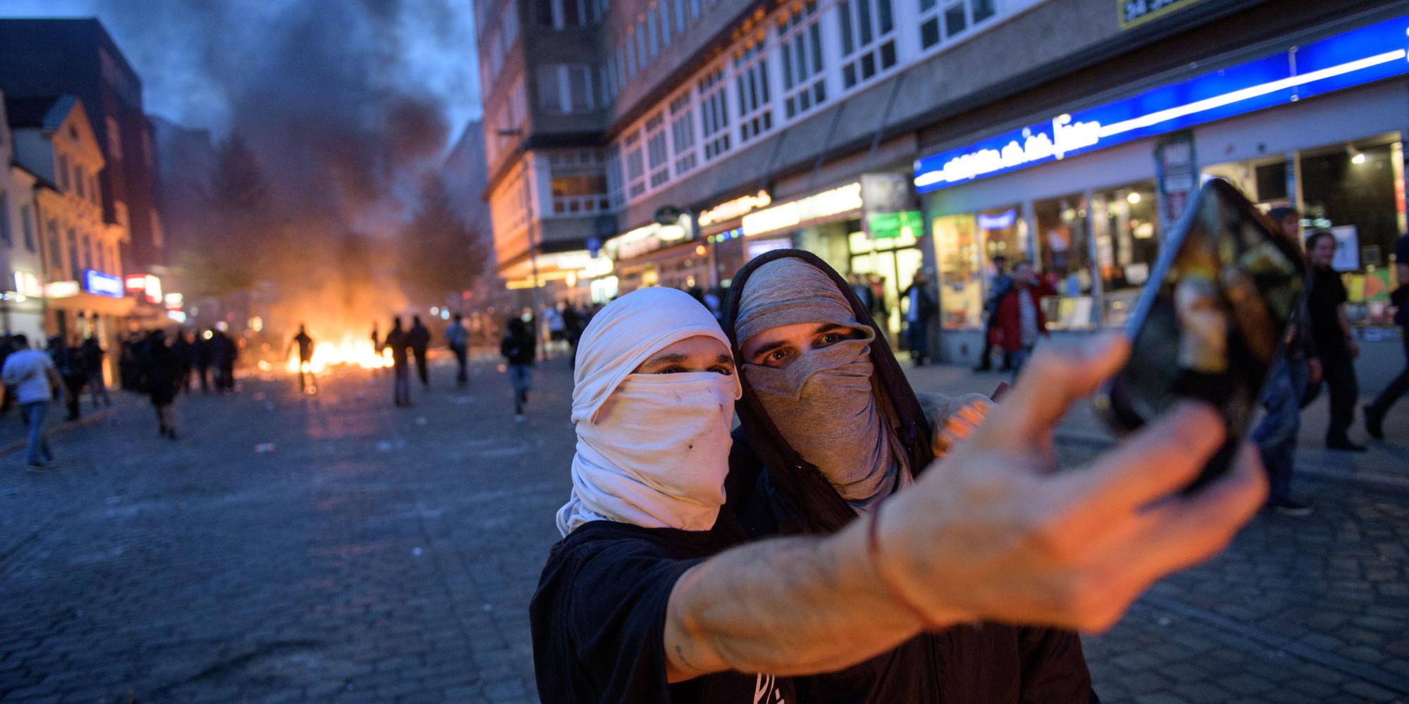 Krawall-Selfie mit iPhone: So geht G20-Kritik NICHT