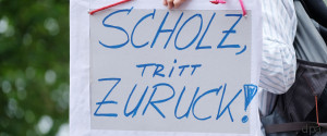 SCHOLZ ZURUECKTRETEN