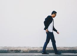 طريقة مشيك تعكس عدم ثقتك بنفسك.. هكذا يفسر العلم خطواتك