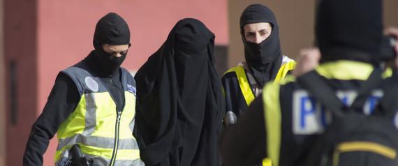 WOMAN SPANISH POLICE