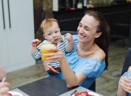هل تعلمين أن طفلك قادر على تعلُّم اللغات الأجنبية من عمر الـ6 أشهر؟ هذه الدراسة ستُثبت لك مهارات رضيعك