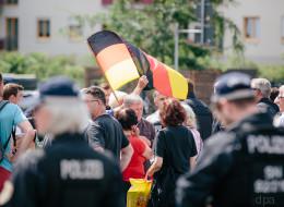 Ein Foto aus Dresden zeigt einen dramatischen Kursschwenk der AfD