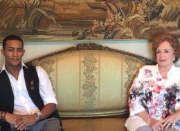 صور: محمد رمضان يقبل دعوة جيهان السادات على الغداء في منزل الرئيس الراحل